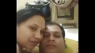 desi indian couple romance wifey give a nice oral pleasure