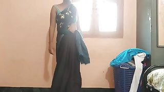 Indian Housewife Tempted Fellow Neighbor uncle in bed room
